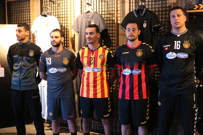 Nos handballeurs habillés en Hummel (photos)