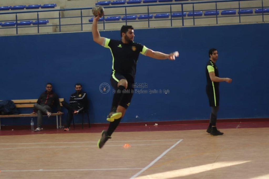 Dernier entrainement des Handballeurs avant Oujda (Photos)